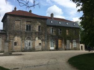 deserted mansion Parc de la Barbois