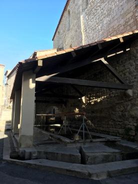 Saint-Mitre-les-Remparts